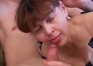 Son nicely pounds his slutty mommy in her mouth