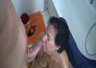 Mature slut asked her son to cum in her mouth