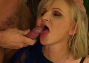 Young man bangs his slutty mommy for the first time